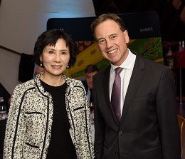 Professor Shudong Wang and Federal Health Minister Greg Hunt.