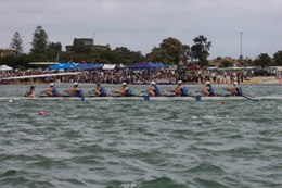 Unley girls in action at 2014 Head of the River