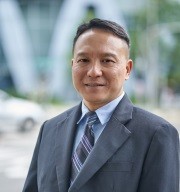 James Tan one of four winners of the 2018 alumni awards