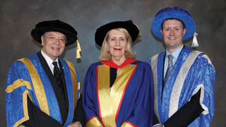 Dr Summers with UniSA Chancellor Dr Ian Gould (left) and Vice Chancellor Professor David Lloyd