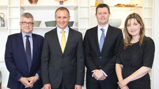 (L-R) Nick Wilson from HP, South Australian Premier Jay Weatherill, Professor David Lloyd and former Education Minister Grace Portolesi.