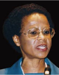 Dr Ramphele delivering the 2000 Annual Hawke Lecture.