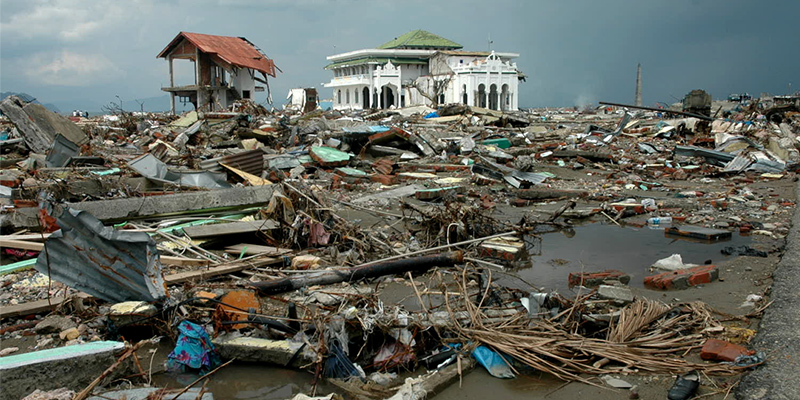 Natural Disaster of Earthquake and Tsunami in Indian Ocean. Photo Frans Delian / Shutterstock.com